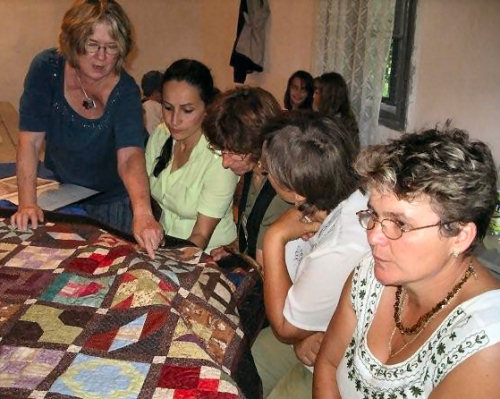 Irene Rush describes the quilt blocks in Mészkő